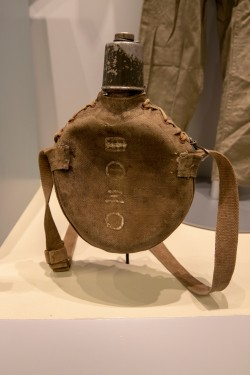 Japanese Army Water Canteen, circa 1943 (LEW-00291)