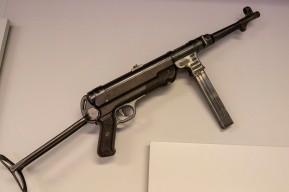 German Army Submachine Gun (LEW-13618)