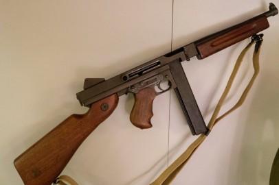 M1A1 Thompson Submachine Gun (LEW-00076)